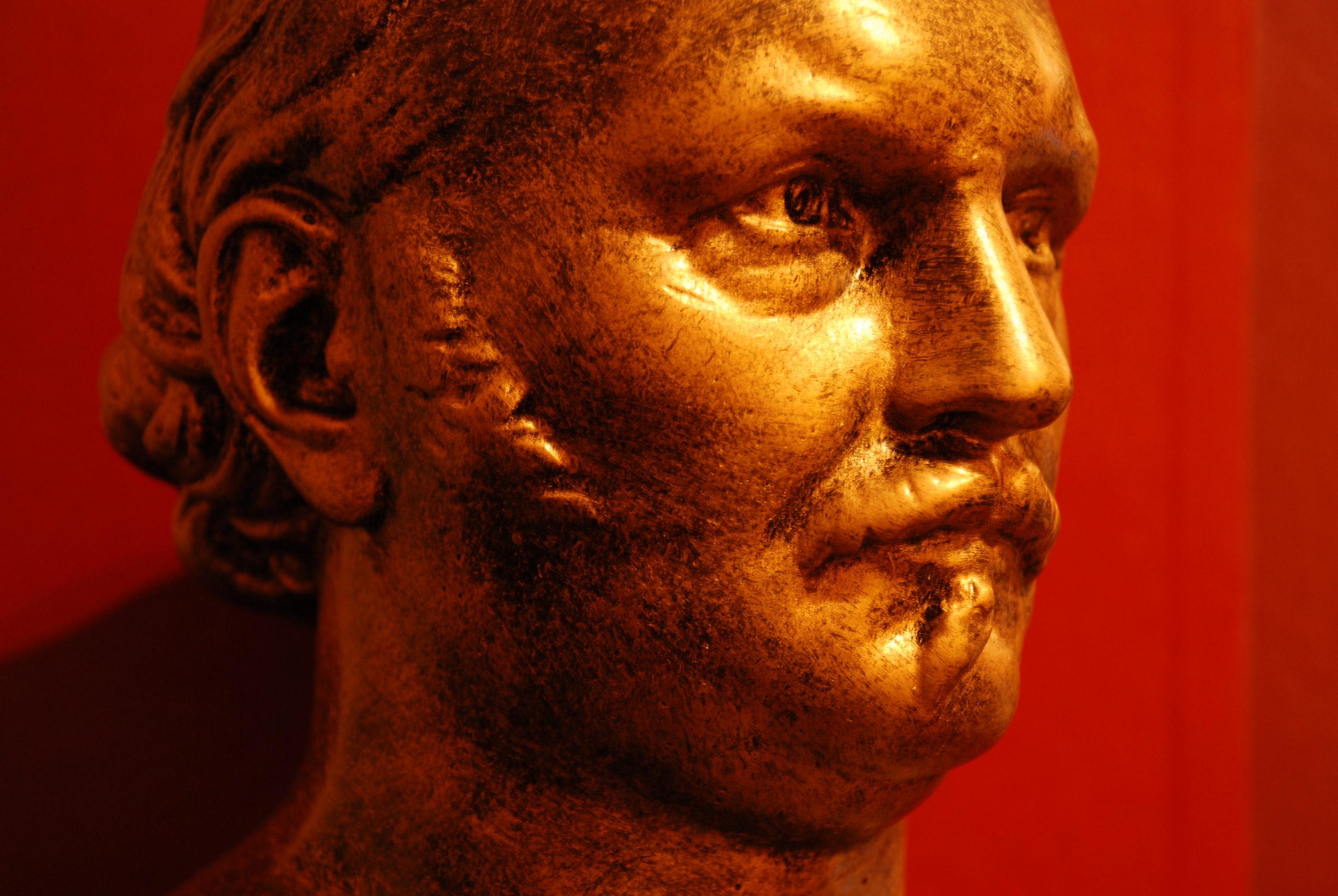 Busto de Allan Kardec em bronze